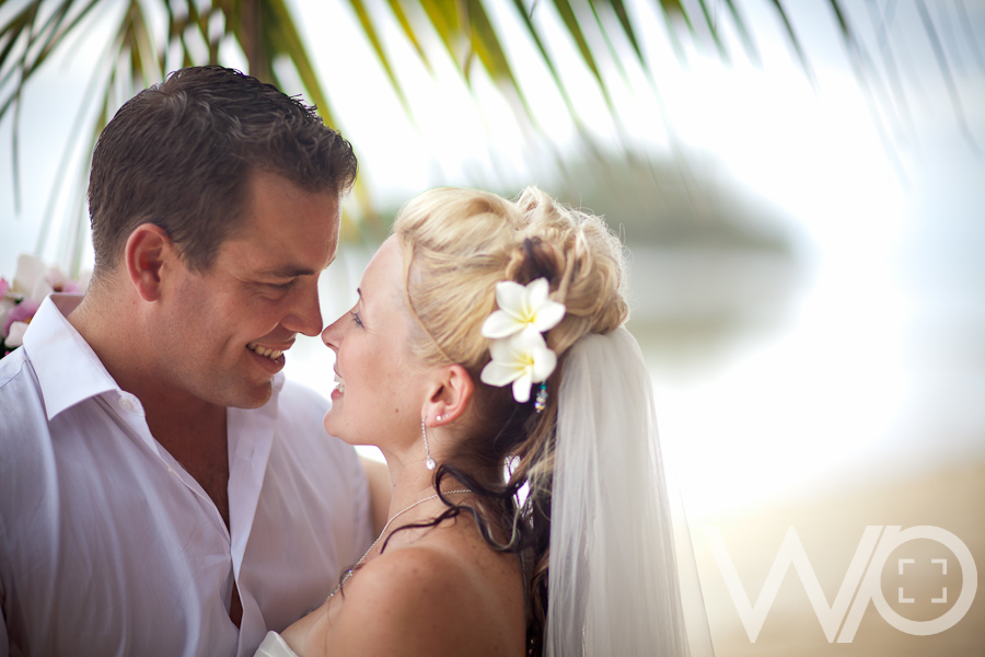 Muri Beach Wedding Photos